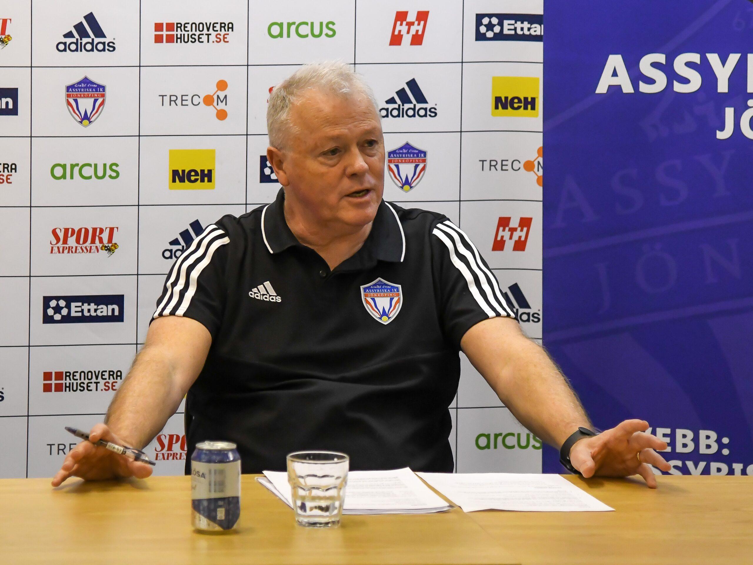 Giles Stille ny huvudtränare i Assyriska IK
