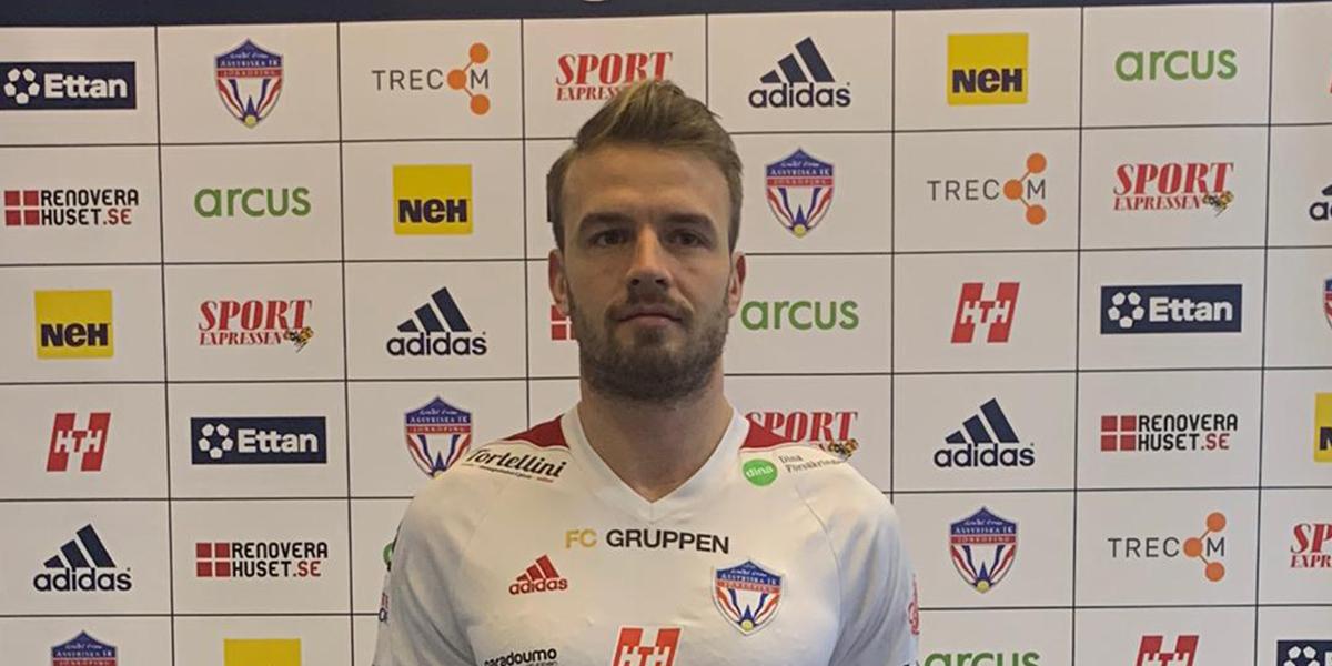 Simon Nilsson klar för Assyriska IK